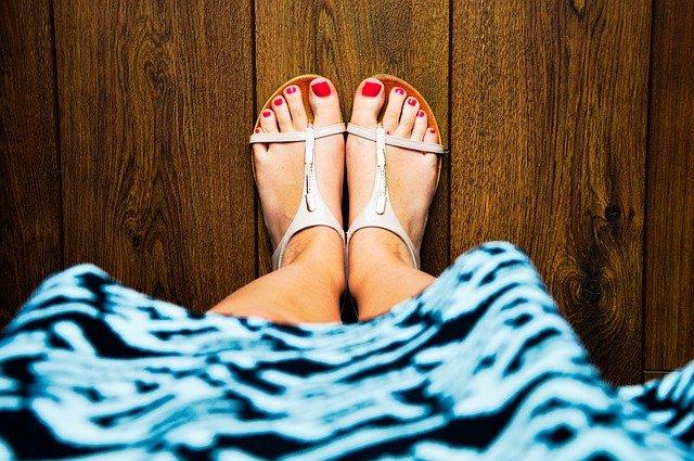 nohy v sandálech.jpg