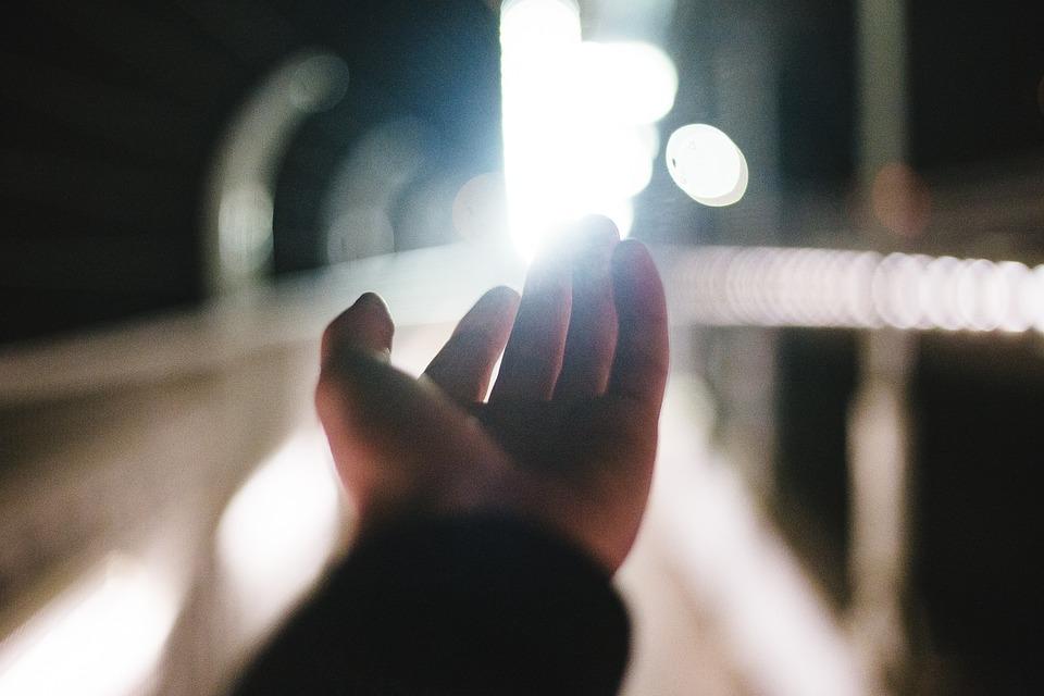 silné světlo